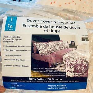 NWOT Twin Duvet Cover